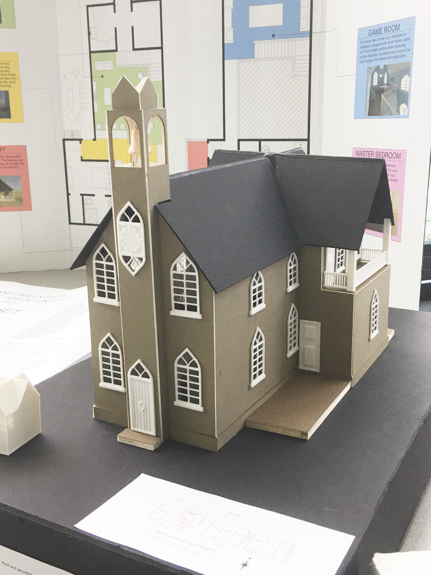2017 Student Model Home Design Contest - model of first place team