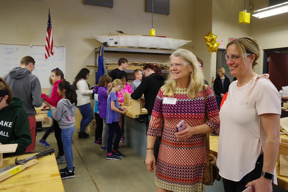 State board member Lisa Woods and WCS Assistant Superintendent of Instruction Kathi Maxwell observe 4th grade MAKE event 5-11-18